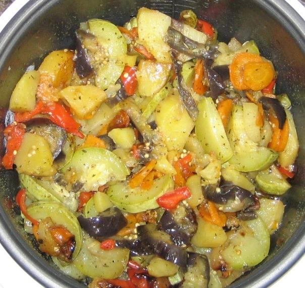 Овощное рагу в мультиварке с кабачками и картошкой и мясом рецепт с фото