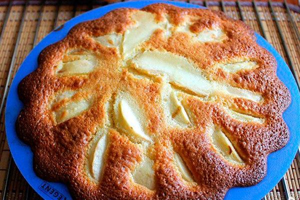 Заливной пирог с грушами рецепт с фото
