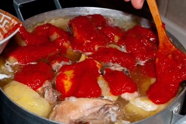 Как сварить соус с курицей