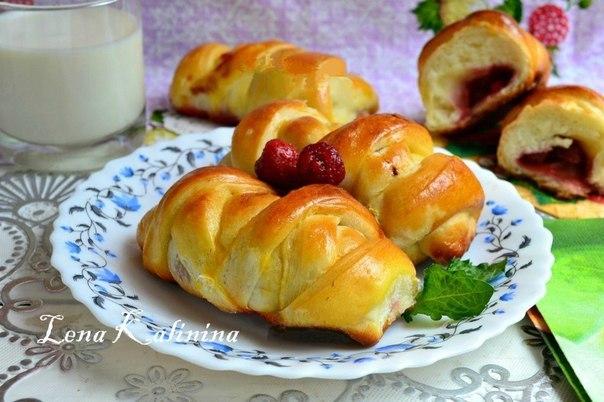 Пирожки с земляникой в духовке рецепт