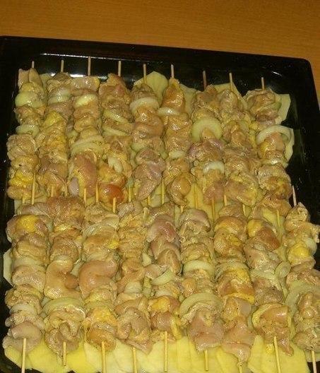 куриный шашлык с картошкой в духовке на шпажках рецепт с фото