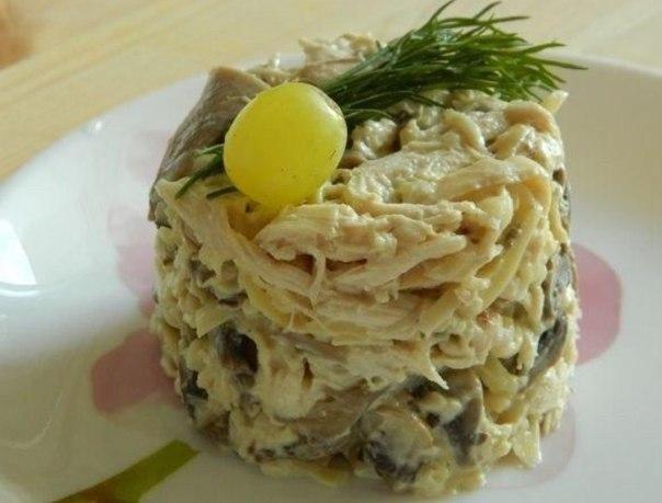 Салат с шампиньонами курицей и ананасами слоями рецепт с