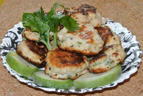 Котлеты из кабачков с мясным фаршем и манкой рецепт с фото пошагово