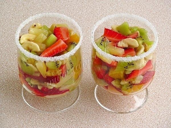 Фруктовый салат в стакане рецепт с