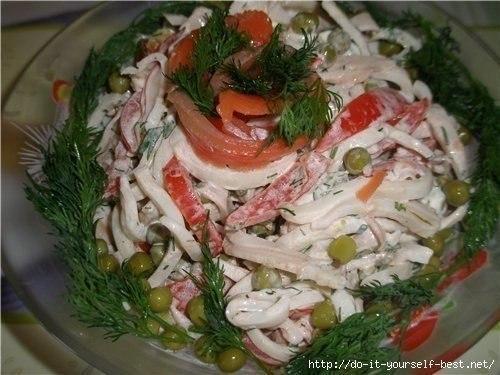 Салат с кальмарами просто и вкусно