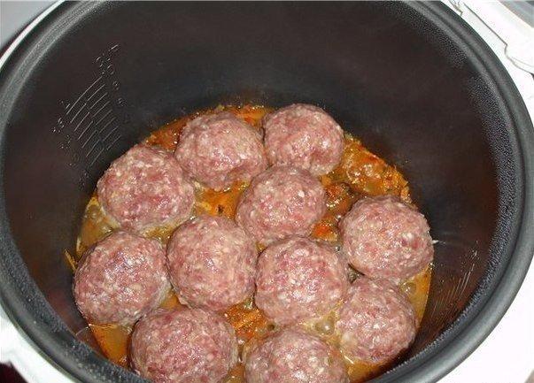 котлеты в сметанном томатном соусе рецепт с фото