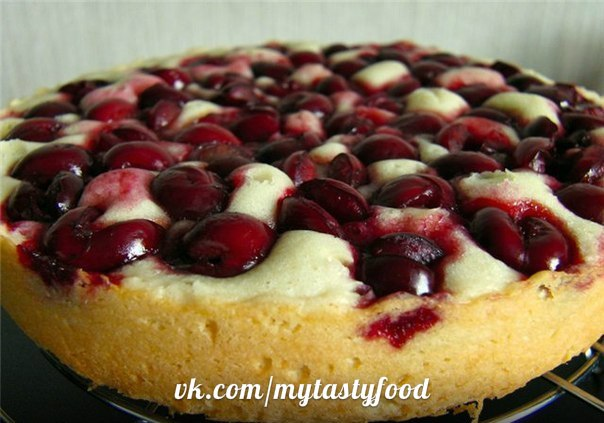 Рецепт пирог с замороженными вишнями в мультиварке рецепты